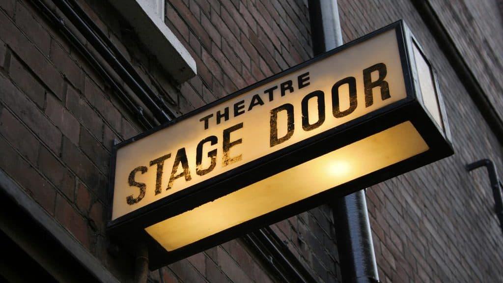 акция билет в театр по одной цене