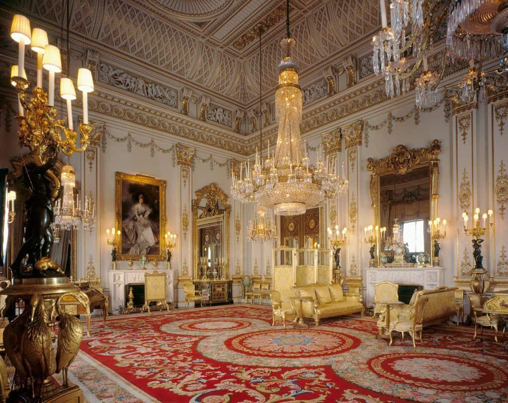 White Drawing room в Букингемском дворце
