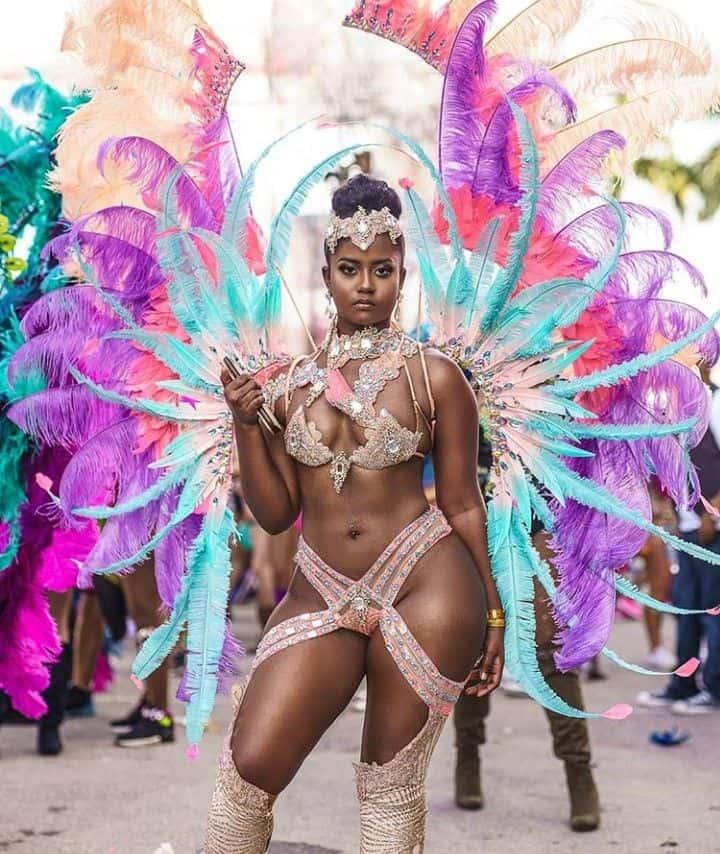 Lady-Notting-Hill-Carnival