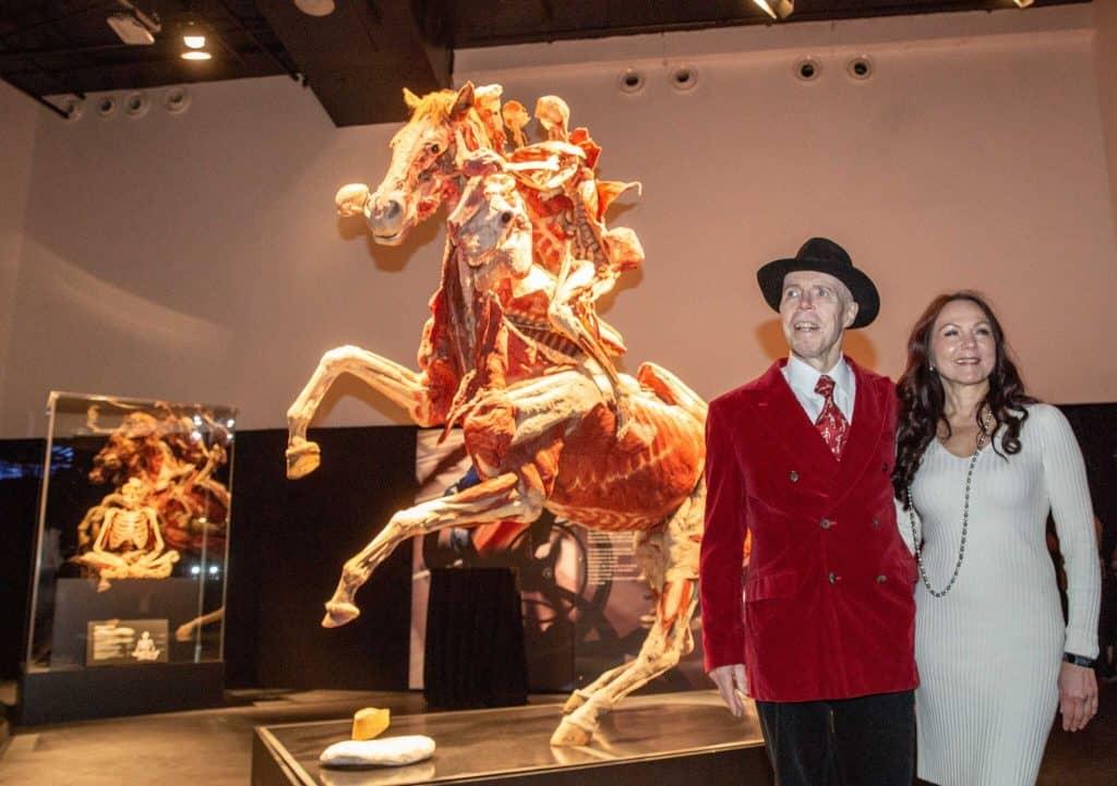 Гюнтер фон Хагенс с женой. Фото: Jeff Moore